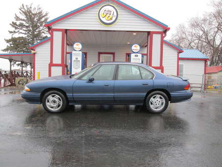 1995 Pontiac Bonneville SE for Sale  - 7977  - Country Auto