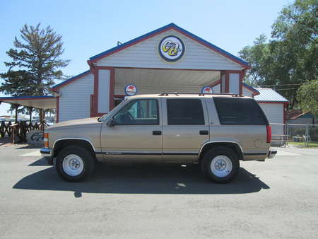 1999 Chevrolet Tahoe 4WD for Sale  - 8246  - Country Auto