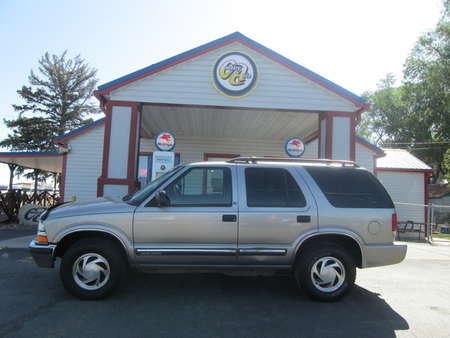 2001 Chevrolet Blazer LT 4WD for Sale  - 8238  - Country Auto