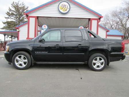 2007 Chevrolet Avalanche 4WD Crew Cab for Sale  - 8059  - Country Auto