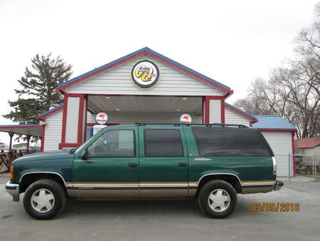 1999 GMC Suburban 4WD for Sale  - 7592  - Country Auto