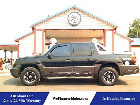 2004 Chevrolet Avalanche Z71 4WD Crew Cab for Sale  - 9120  - Country Auto