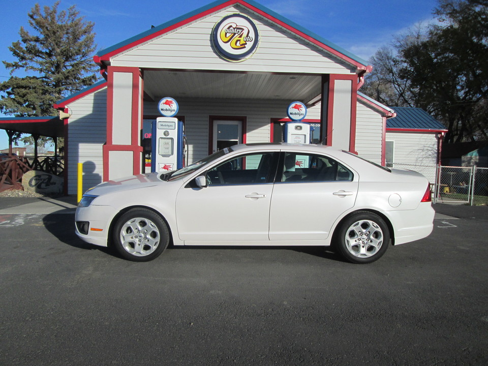2011 Ford Fusion  - Country Auto