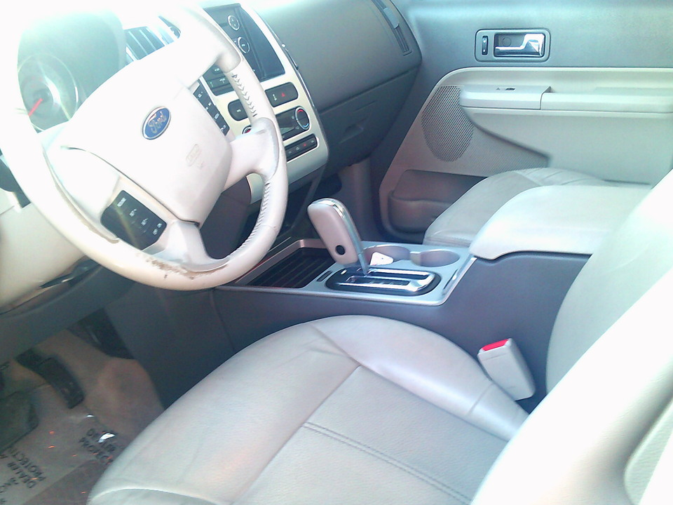 2010 Ford Edge  - Country Auto