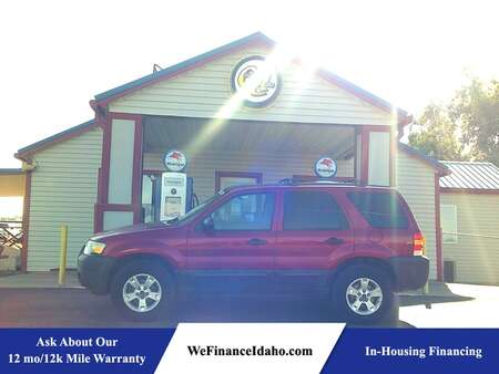 2005 Ford Escape XLT 4WD for Sale  - 9101  - Country Auto