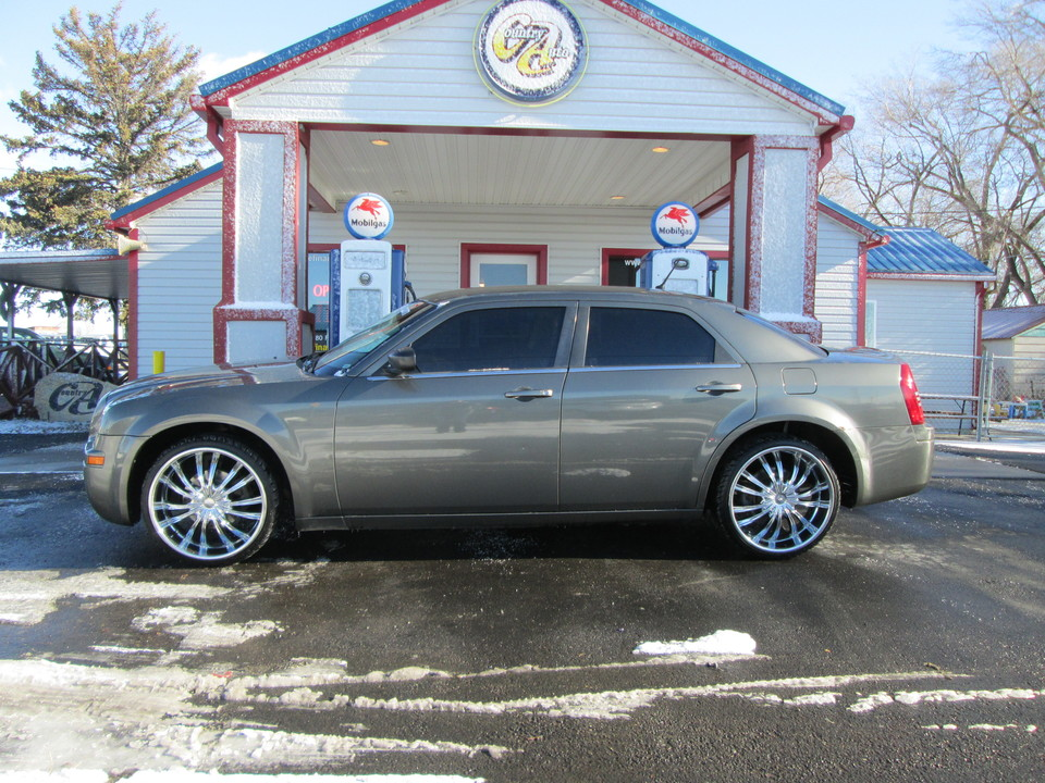 2008 Chrysler 300  - Country Auto