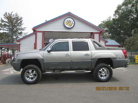 2002 Chevrolet Avalanche 4WD Crew Cab for Sale  - 7765  - Country Auto