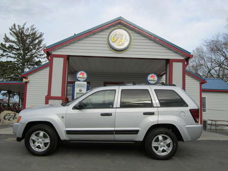2005 Jeep Grand Cherokee Laredo 4WD for Sale  - 8053R  - Country Auto