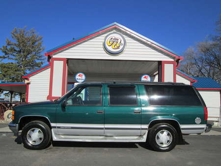 1997 GMC Suburban 4WD for Sale  - 8114C  - Country Auto