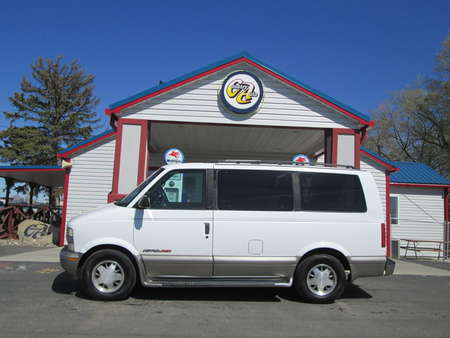 2001 Chevrolet Astro Passenger AWD for Sale  - 8126  - Country Auto
