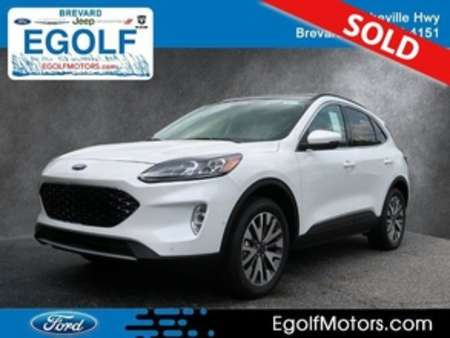 2020 Ford Escape TITANIUM AWD for Sale  - 5203  - Egolf Motors