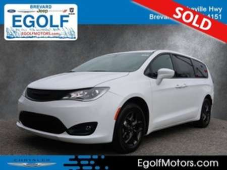 2020 Chrysler Pacifica Touring for Sale  - 21870  - Egolf Motors
