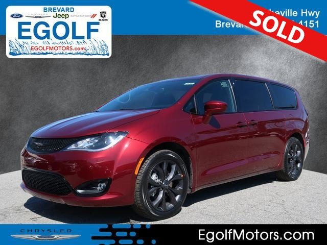 2019 Chrysler Pacifica  - Egolf Motors
