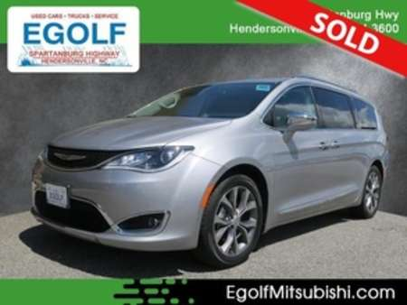 2017 Chrysler Pacifica Limited for Sale  - 10632  - Egolf Motors