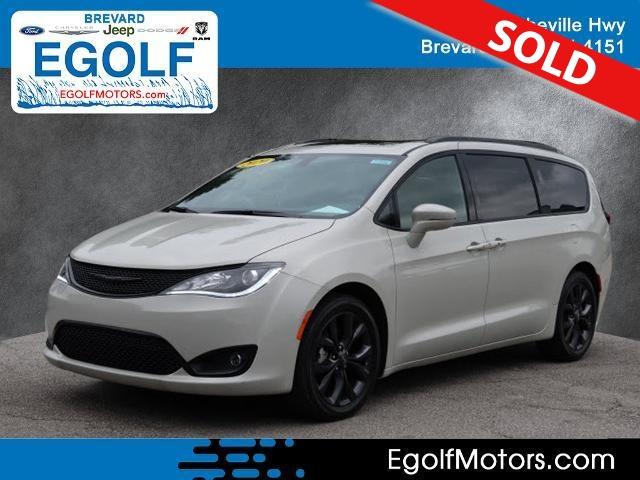 2020 Chrysler Pacifica  - Egolf Motors