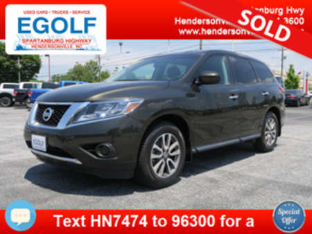 2015 Nissan Pathfinder S for Sale  - 7474  - Egolf Motors