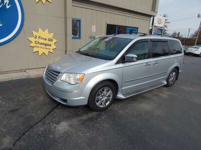 2010 Chrysler Town & Country Limi