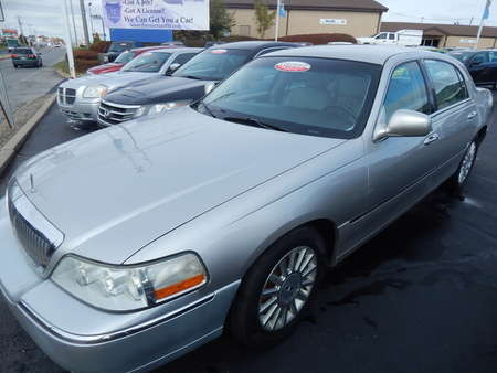 2003 Lincoln Town Car Executive for Sale  - 687216  - Premier Auto Group