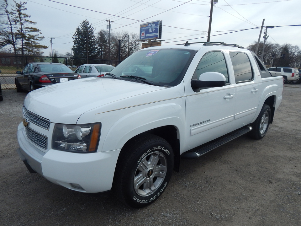 2011 Chevrolet Avalanche LT  - 317432  - Premier Auto Group
