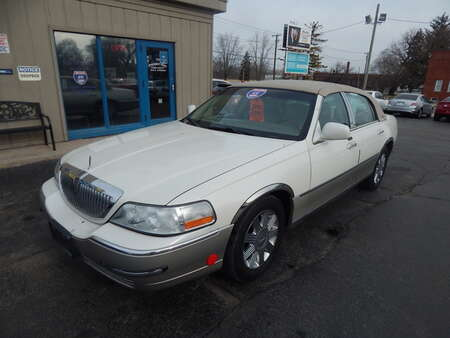 2005 Lincoln Town Car Signature Limited for Sale  - 623174  - Premier Auto Group