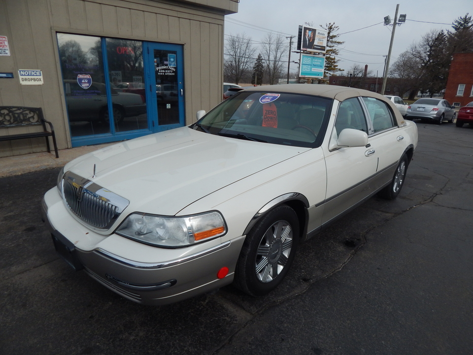 2005 Lincoln Town Car Signature Limited  - 623174  - Premier Auto Group