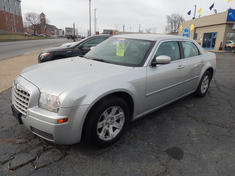 2007 Chrysler 300  - 884570  - Premier Auto Group