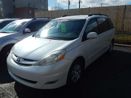 2006 Toyota Sienna XLE for Sale  - 537698  - Premier Auto Group
