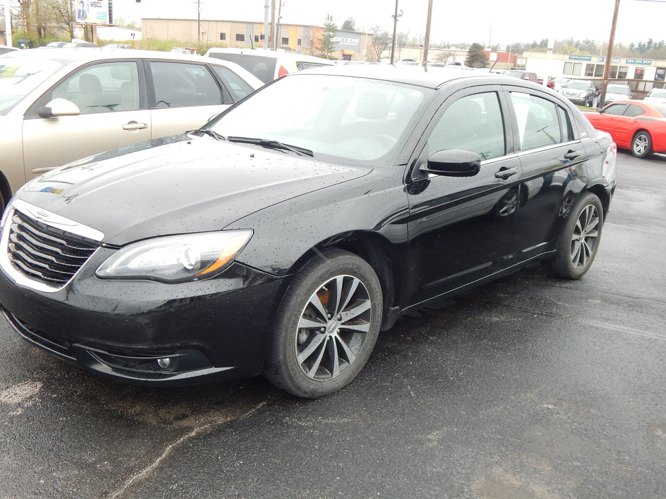 2013 Chrysler 200  - Premier Auto Group