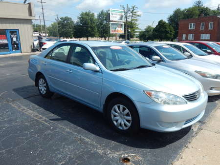 2005 Toyota Camry SE for Sale  - 628630  - Premier Auto Group