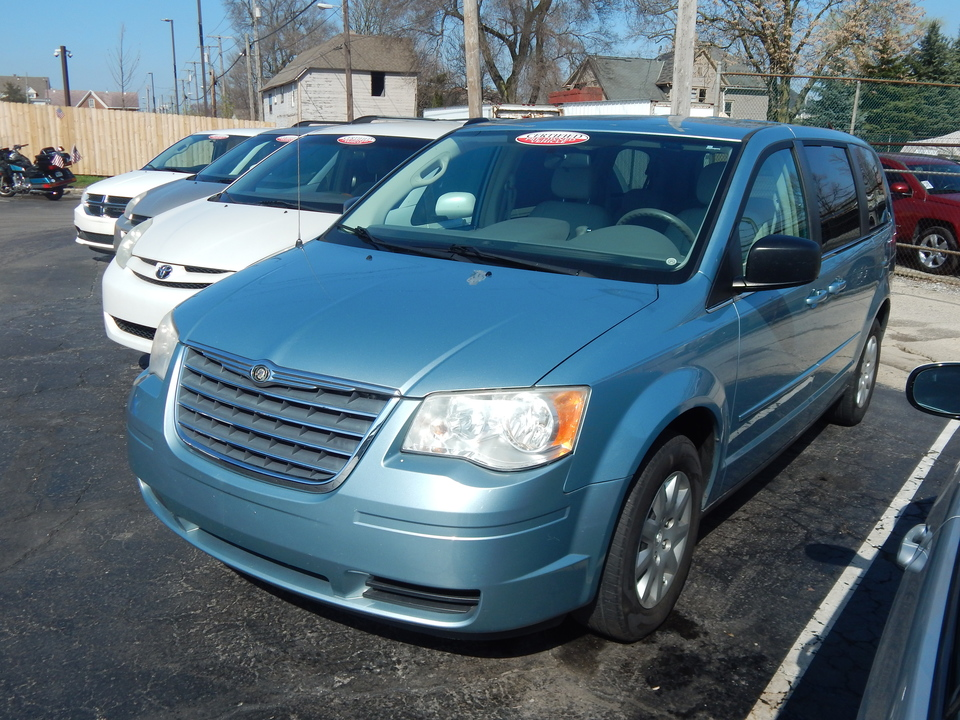 2010 Chrysler Town & Country LX  - 271877  - Premier Auto Group
