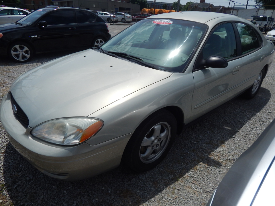 2005 Ford Taurus  - Premier Auto Group
