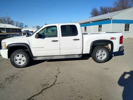 2009 Chevrolet Silverado 1500 LT 4WD Crew Cab for Sale  - 2987B  - Keast Motors