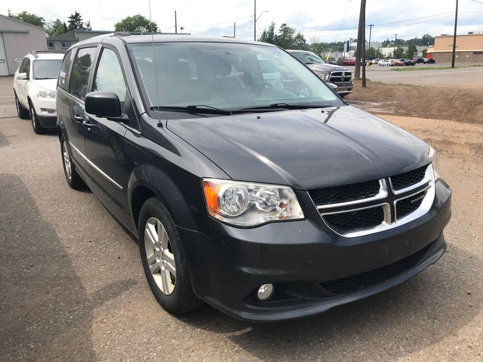 2012 Dodge Grand Caravan CREW image 1 of 10