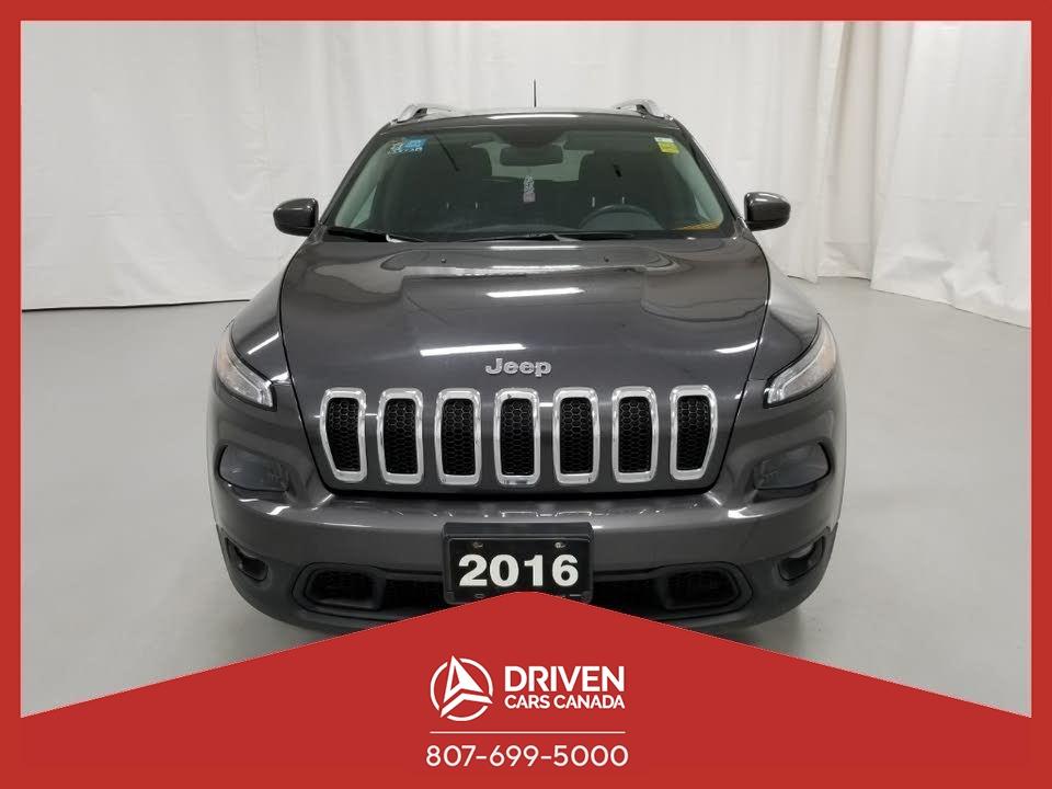 2016 Jeep Cherokee LATITUDE 4WD image 1 of 10