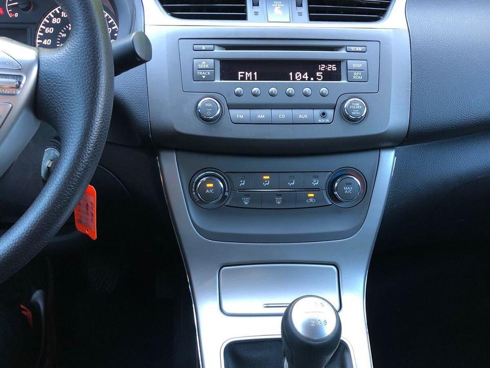 2014 Nissan Sentra SL image 5 of 7