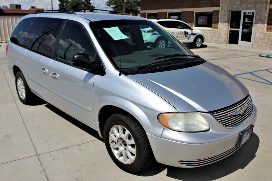 2002 Chrysler Town & Country  - Fiesta Motors