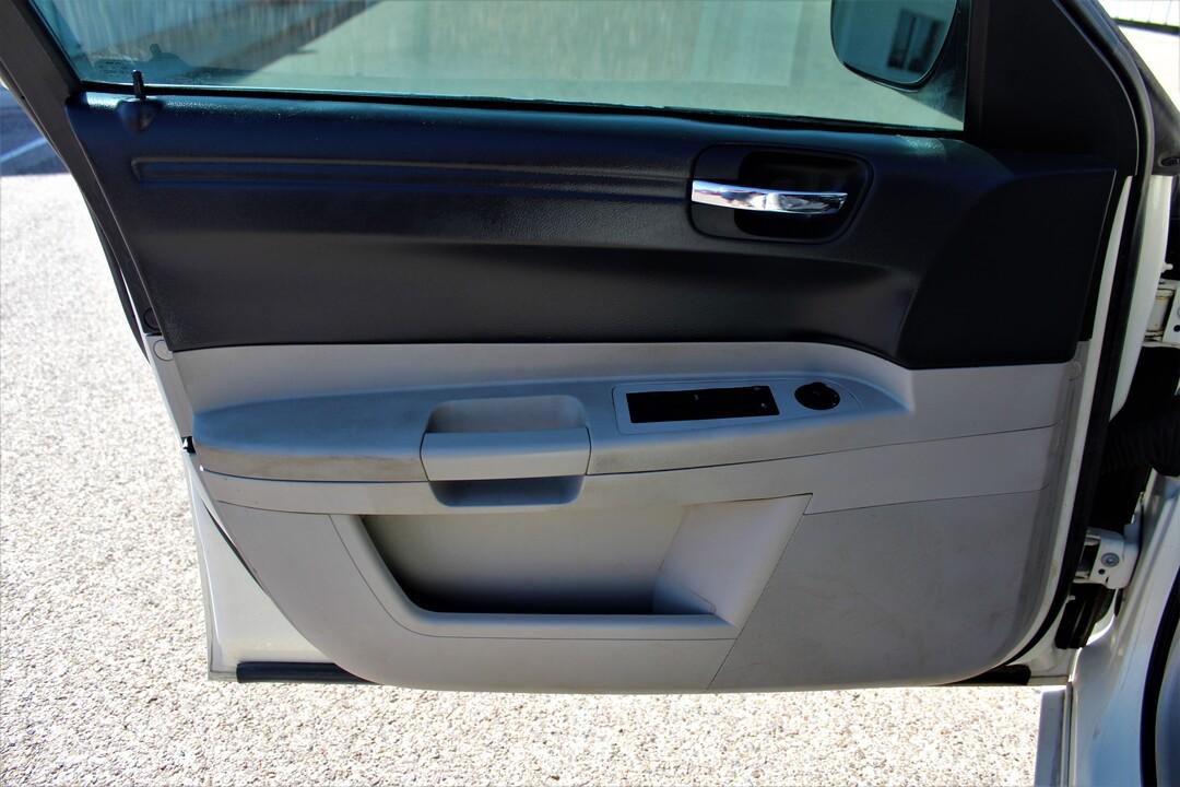 2005 Chrysler 300  - Fiesta Motors
