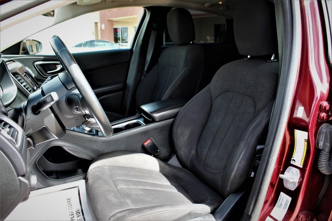 2015 Chrysler 200  - Fiesta Motors