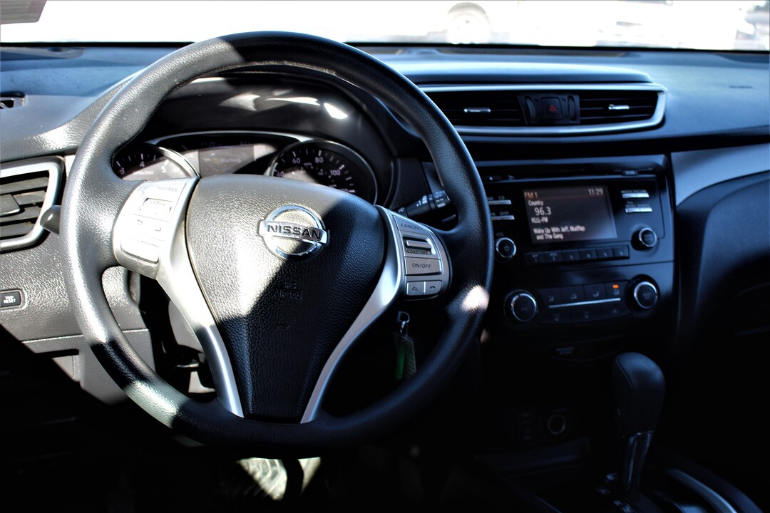2015 Nissan Rogue  - Fiesta Motors