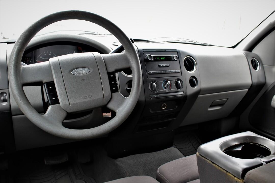 2005 Ford F-150  - Fiesta Motors