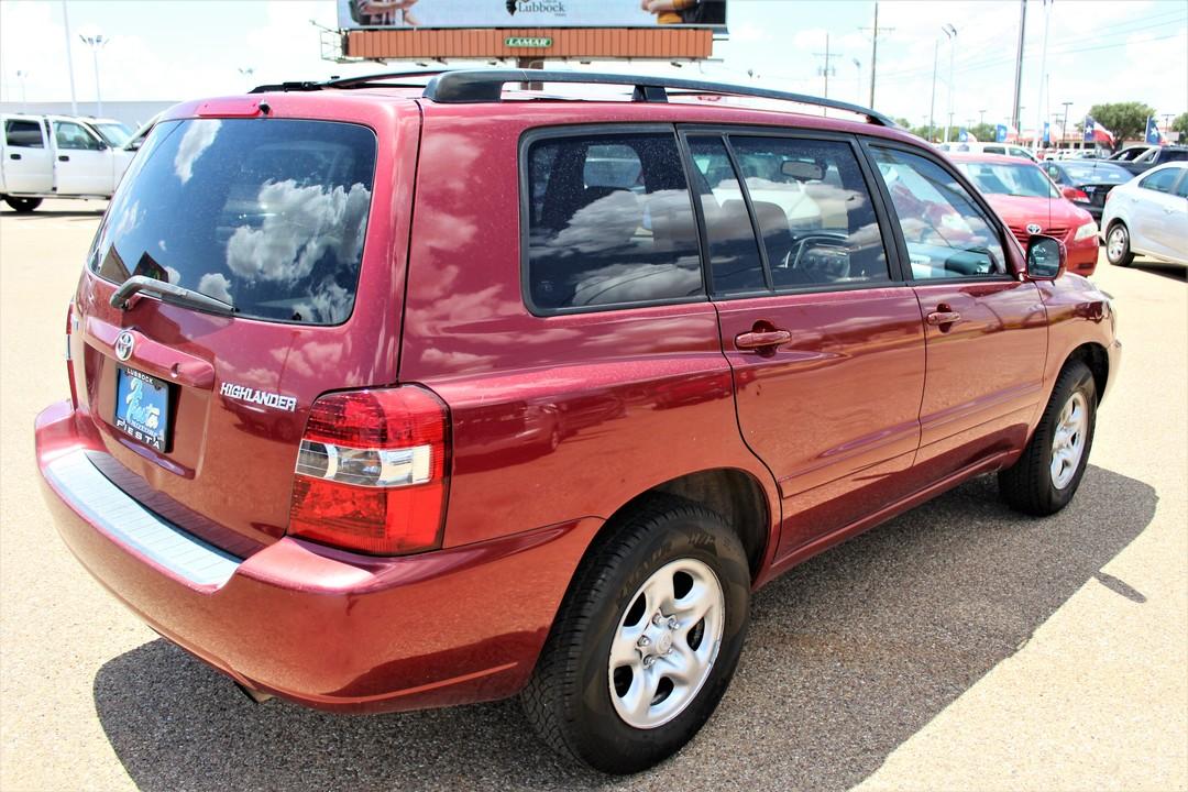 2005 Toyota Highlander  - Fiesta Motors