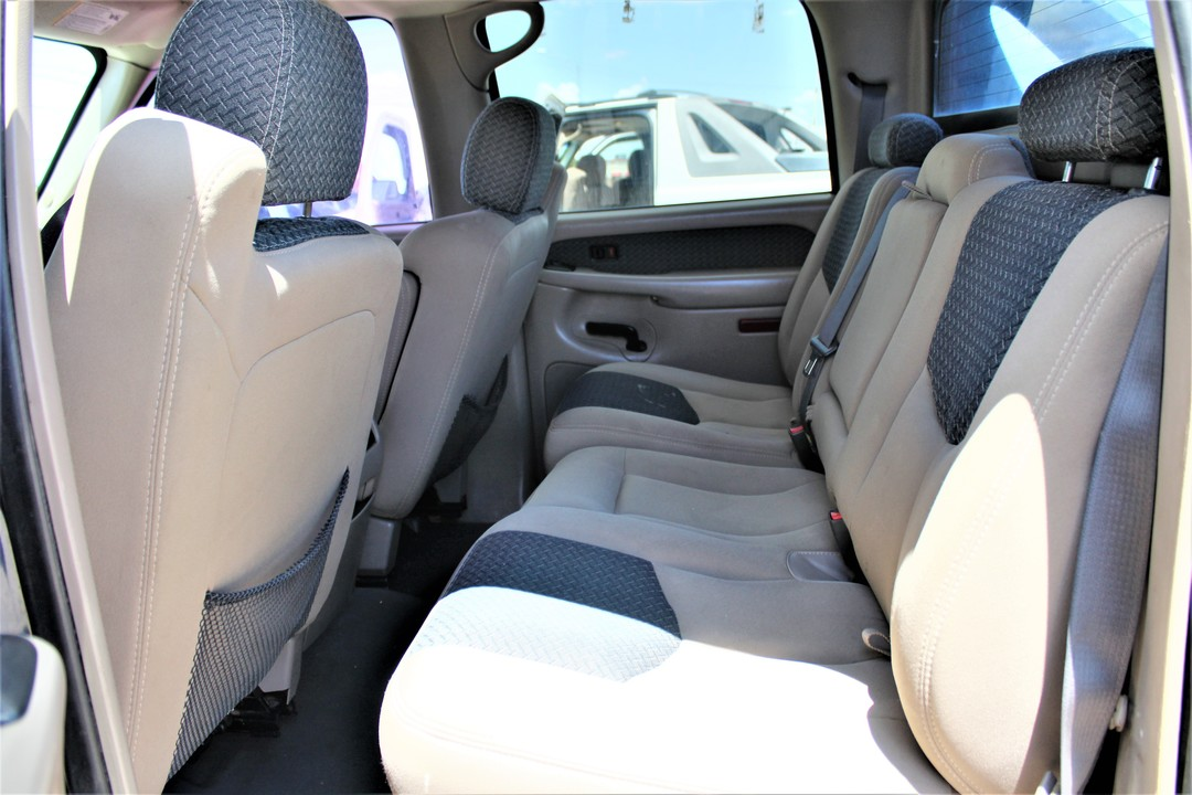 2004 Chevrolet Avalanche  - Fiesta Motors