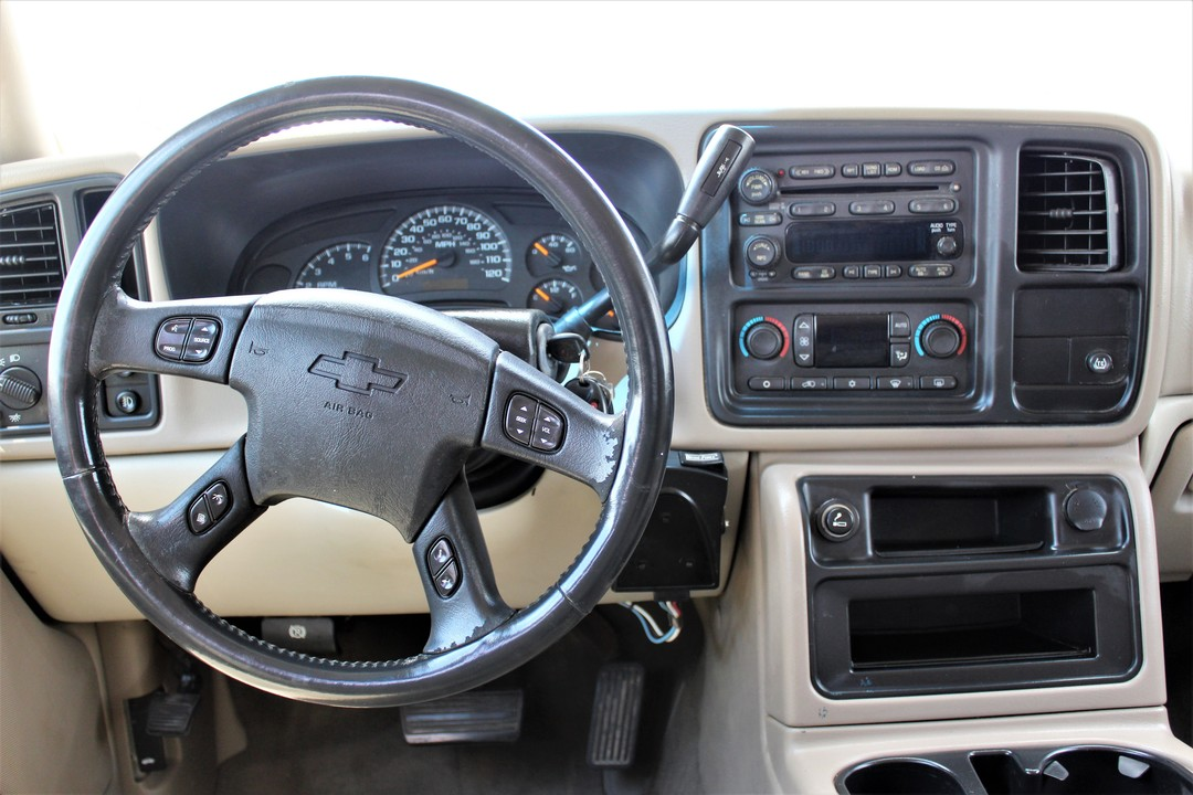2005 Chevrolet Avalanche  - Fiesta Motors