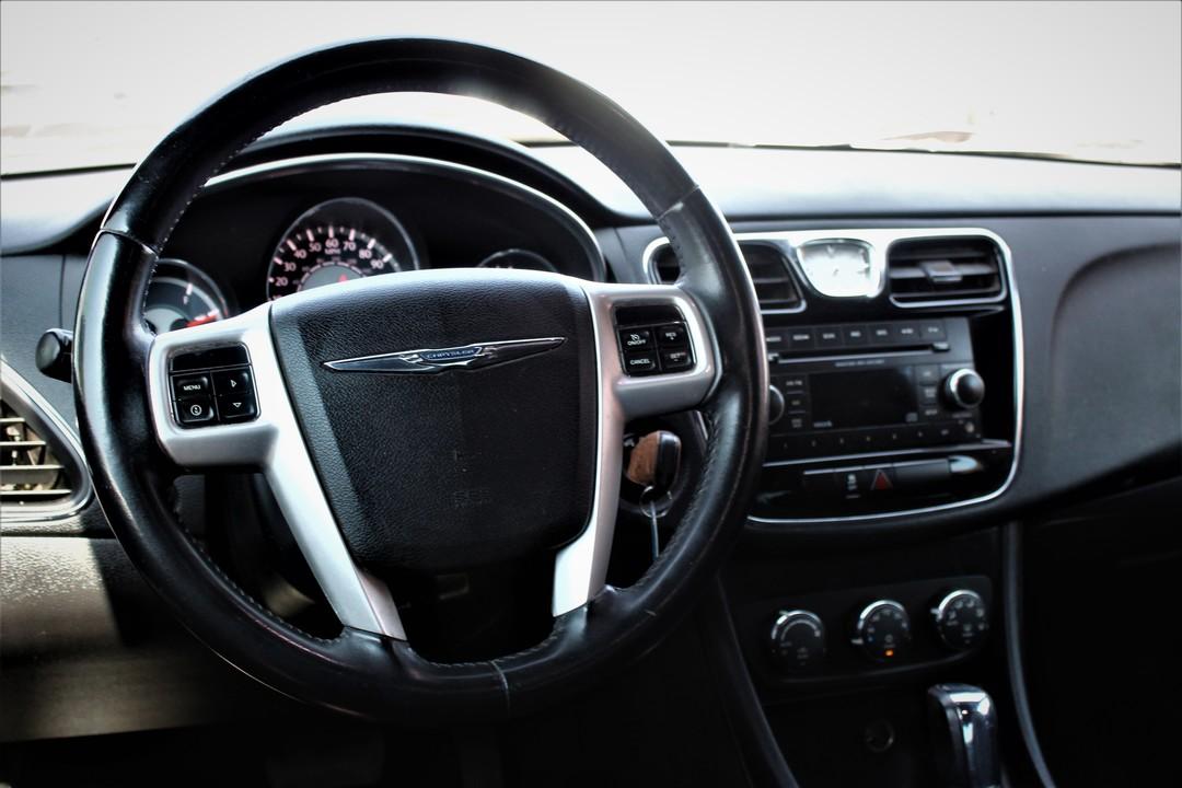 2013 Chrysler 200  - Fiesta Motors