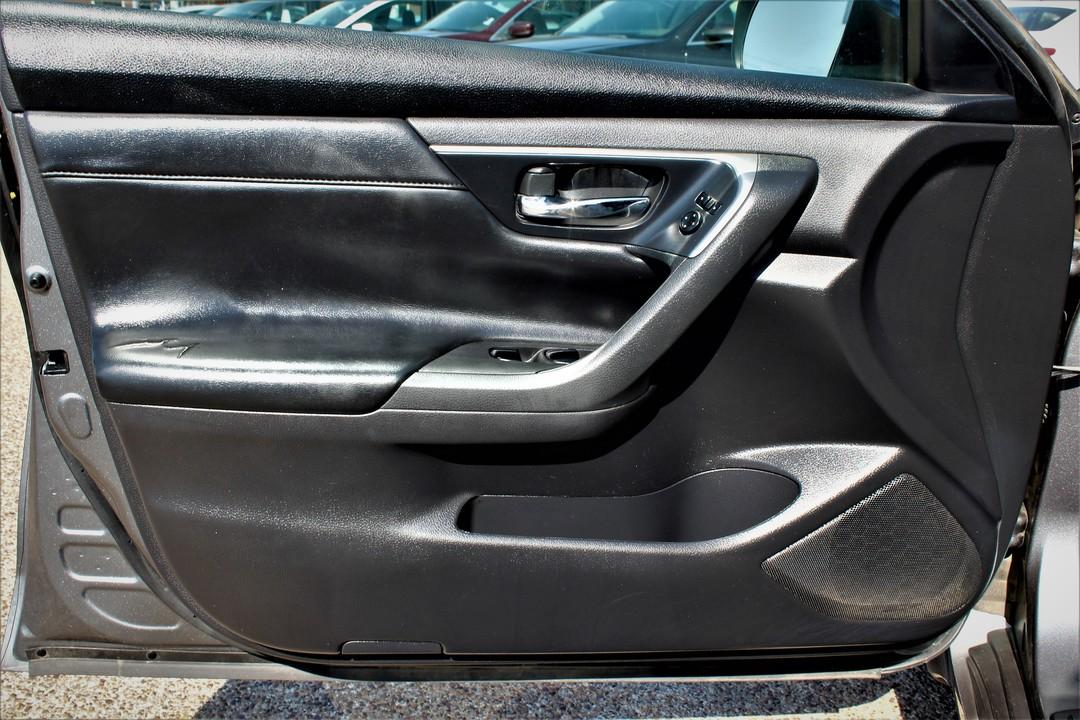 2015 Nissan Altima  - Fiesta Motors