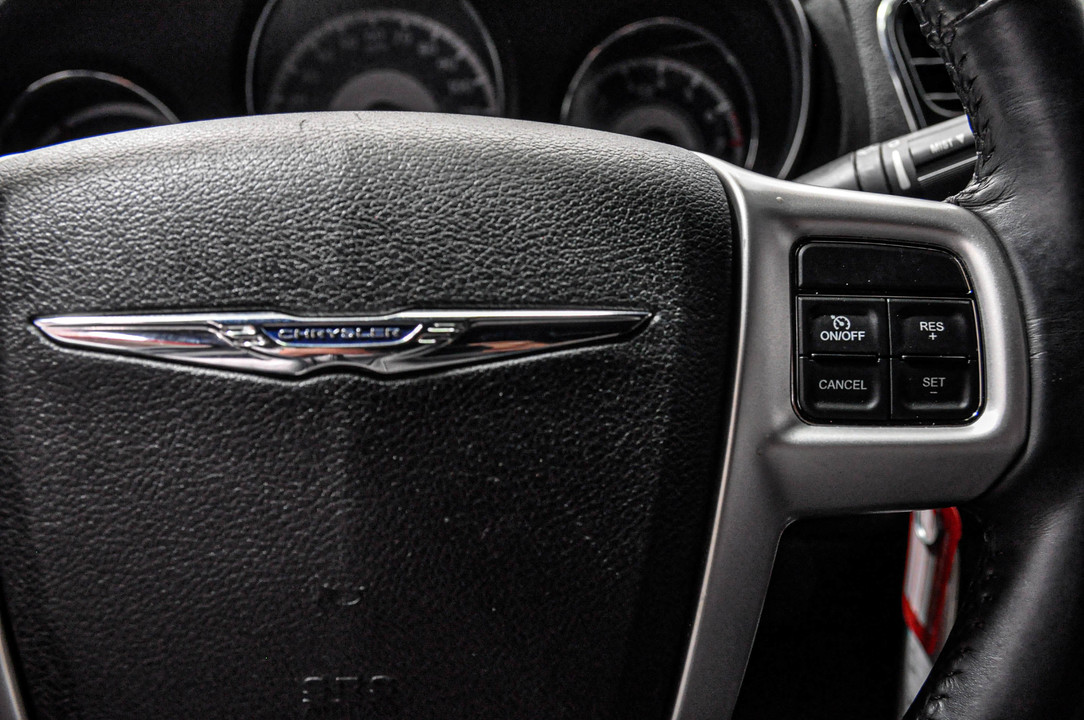 2014 Chrysler 200  - Desmeules Chrysler