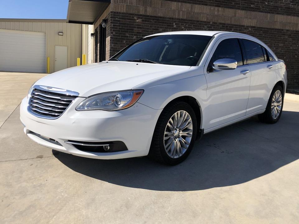 2011 Chrysler 200  - Car City Autos