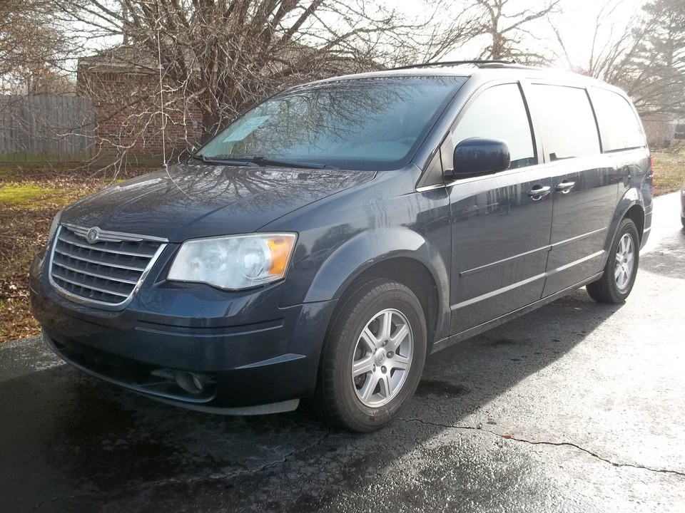2008 Chrysler Town & Country  - Car City Autos