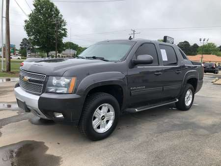 2010 Chevrolet Avalanche LT 4WD Crew Cab for Sale  - 238007R  - Car City Autos