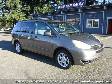 2004 Toyota Sienna LE 7 Passenger AWD for Sale  - 11660  - Autoplex Motors